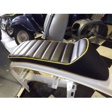 "SPORT SEAT ""SPRINTER"" BLACK WITH YELLOW TRIM"