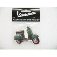 VESPA FRIDGE MAGNET GREEN